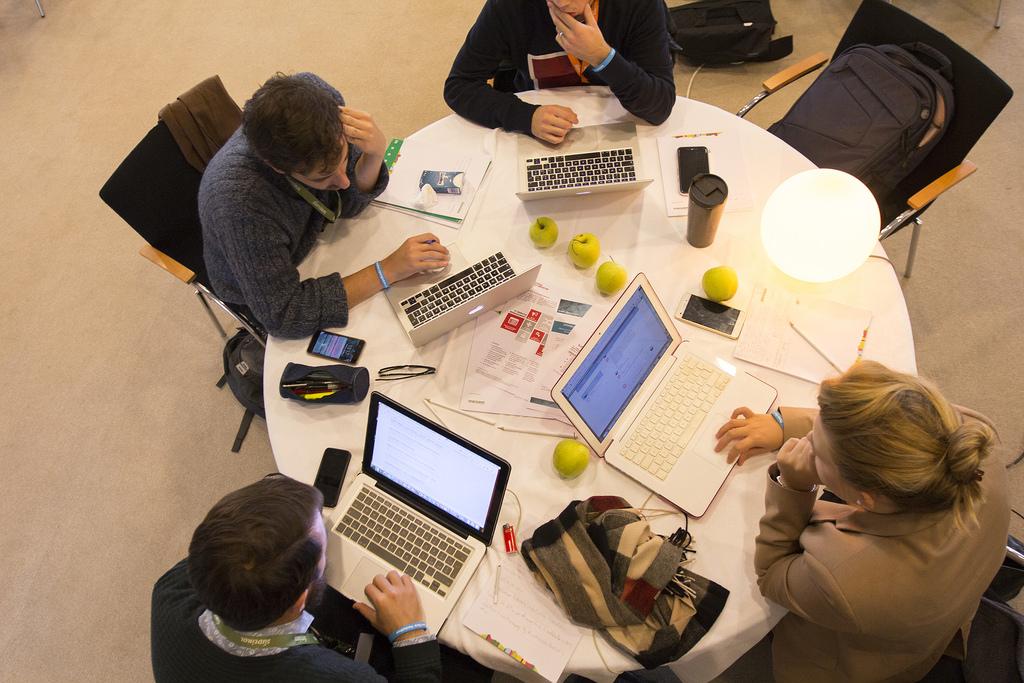 Hackathon, le aziende chiamano e gli studenti rispondono