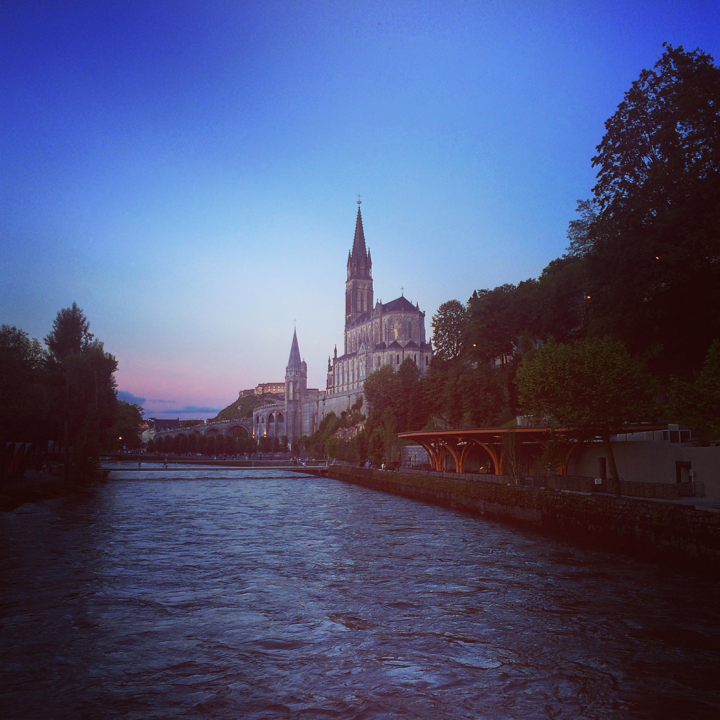Quel viaggio che si chiama pellegrinaggio: la mia esperienza a Lourdes